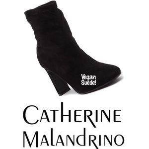 👣🆕 Catherine Malandrino ✦ Vegan Suede Booties ✦